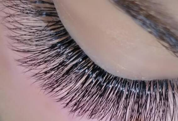 THE NEW TAKE ON EYELASH EXTENSIONS